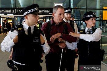 Berita dunia - Pria yang ditangkap di Bandara Heathrow didakwa terorisme
