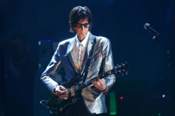 "Vokalis ""The Cars"" Ric Ocasek meninggal dunia"