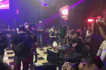 Polisi Jambi razia tempat hiburan malam sekaligus cari buronan kriminal