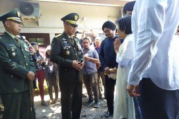 HS Dillon Meninggal - Pangdam Udayana lepas jenazah HS Dillon