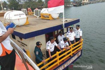 Kapal hibah untuk pariwisata tiba di Pelabuhan Pulau Baai