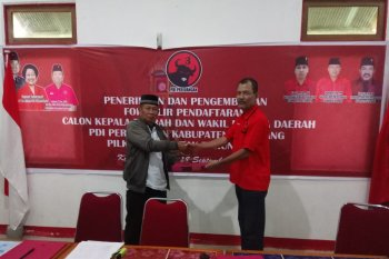 PDIP Ketapang terima pengembalian formulir pendaftaran calon kepala daerah