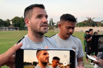 Simon McMenemy khawatirkan fisik daripada mental timnas Indonesia
