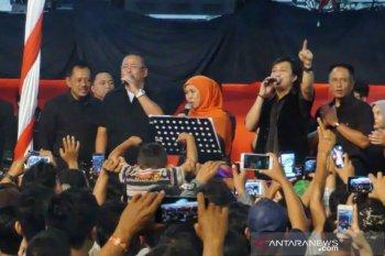 "Grup musik KLa Project ajak Gubernur Khofifah ""Tak Bisa Ke Lain Hati"""