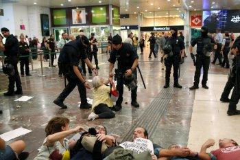 Berita Dunia - Spanyol penjarakan pemimpin separatis Catalunya