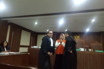 """Wanita perekam video """"Penggal Jokowi"""" divonis  bebas"""