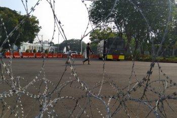 "Satu unit ""water canon"" disiagakan di  depan Istana"