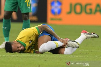 Neymar diperkirakan akan menepi setidaknya hingga empat pekan