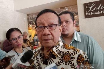 Akbar Tandjung tak masalah Gerindra masuk kabinet  Jokowi-Ma