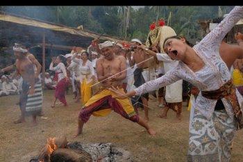 Warga Selumbung, Karangasem gelar tradisi Daratan
