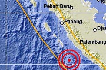 Gempa Enggano, warga Kota Bengkulu berhamburan keluar rumah