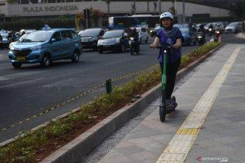 Penabrak dua pengguna skuter listrik hingga tewas tidak ditahan