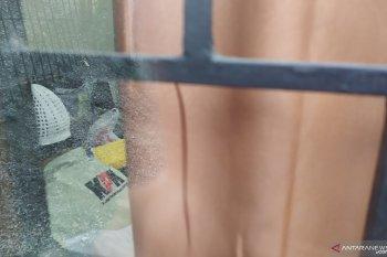 KPK masih geledah kantor  Dinas PU Medan hingga sore