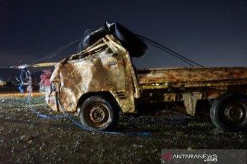 Evakuasi mobil korban tsunami