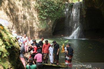 Bupati Gianyar resmikan destinasi wisata pemair terjun Suwat