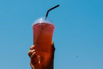 """Minum air dingin setelah terpapar suhu tinggi,  tidak sebabkan """"heat stroke"""""""