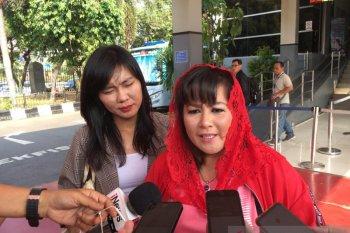 Dewi Tanjung dilaporkan ke polisi terkait pengaduan palsu