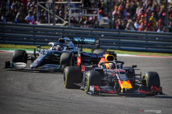 Verstappen dibuat bosan Hamilton
