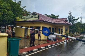 Pascaledakan bom di Medan, Polres Bangka Tengah perketat pengamanan