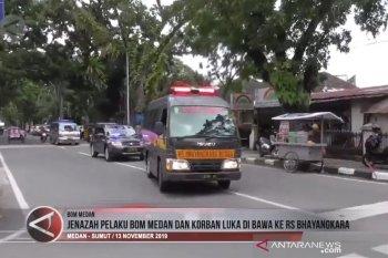 Jenazah pelaku bom Medan dan korban luka di bawa ke RS Bhayangkara (video)