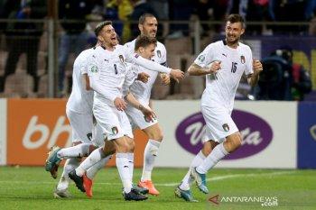 Italia mantap di puncak klasemen tanpa kekalahan