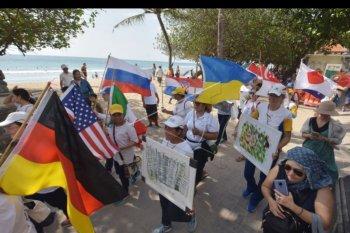 Parade Peace Run di Kuta