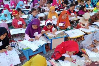 Alfamart kembangkan kreativitas anak Sumenep