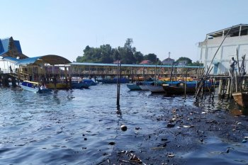 Pencemaran minyak hitam di Perairan Batam berkurang