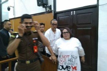 Dituntut 1,5 tahun, Komedian Nunung minta keringanan hukuman