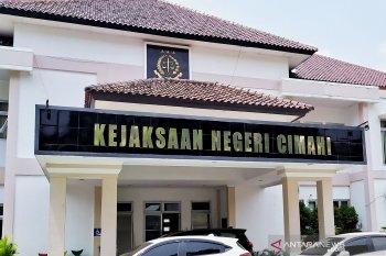 Terkait dugaan korupsi, delapan mantan pejabat Setwan Cimahi diperiksa