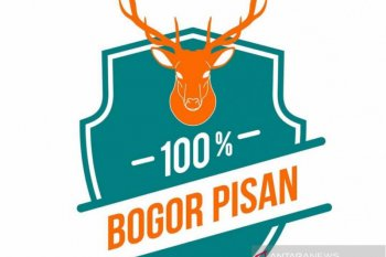 """Logo """"100% Bogor Pisan"""" pada produk IKM untuk penguatan identitas lokal"""