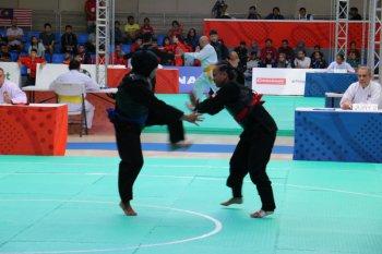Suci Wulandari meraih emas pencak silat SEA Games