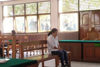 Perempuan Kendal dituntut 13 tahun karena sabu-sabu