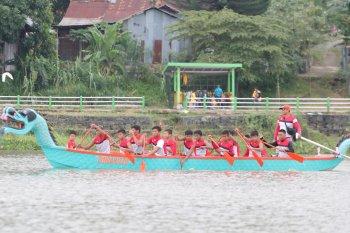 Gubernur: lomba perahu tradisional promosikan kearifan lokal