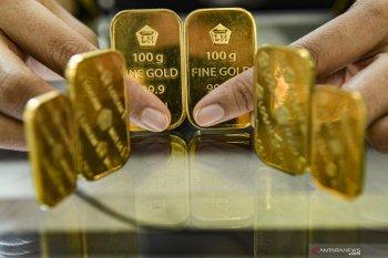 Emas berjangka turun tipis karena investor beralih ke penjualan teknis