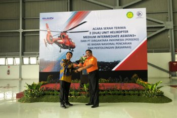 PTDI delivers two helicopters to Basarnas