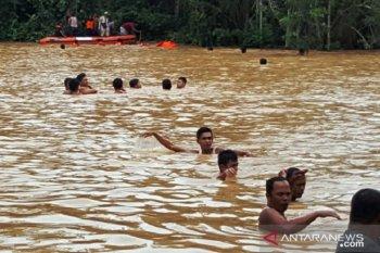 Akibat banjir di Sumbar, dua balita meninggal dunia