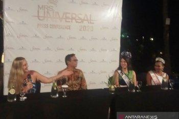 Tiga Mrs Universal 2019 berlibur di Bali
