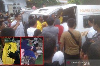 Janda kaya ditemukan tewas dengan kondisi leher luka parah