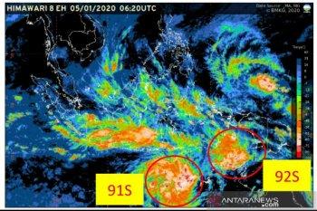 Dua siklon tropis sebabkan hujan lebat di wilayah Indonesia