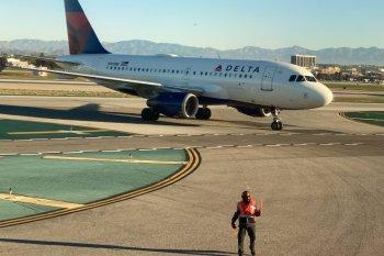 17 anak dievakuasi akibat tumpahan bahan bakar pesawat