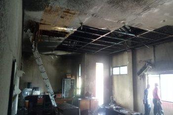 Polisi : Arus pendek picu kebakaran di kantor BPN Maluku