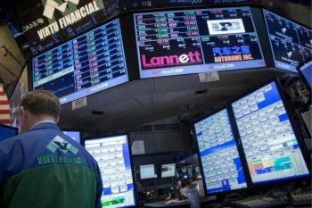 Wall Street bervariasi, Dow dan S&P 500 terseret penurunan saham Apple