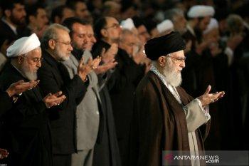 Khamenei mendukung Garda setelah kerusuhan atas jatuhnya pesawat