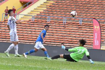 Cuaca buruk, laga Persib lawan Hanoi FC dihentikan