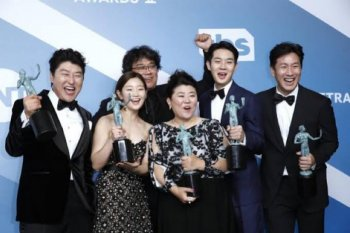 """Parasite"" raih piala ""Best Cast"" di SAG Awards"