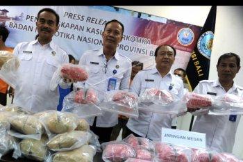 Kasus paket ganja kiriman dari Medan