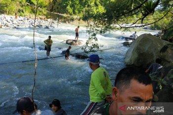 10 korban jembatan putus di Bengkulu ditemukan