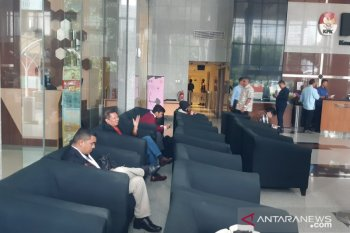 KPK periksa mantan Direktur Utama PT Pelindo II