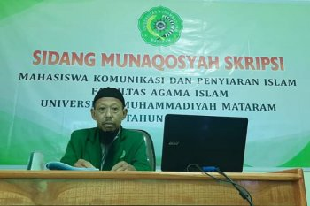 Berusia 60 tahun, seorang marbot masjid akhirnya raih gelar sarjana